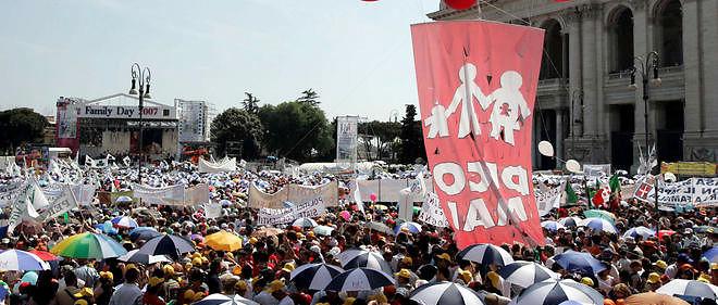 En 2007, une manifestation contre un projet d'union civile pour les homosexuels à Rome. Renzi, qui était alors maire de Florence, s'était opposé au texte.