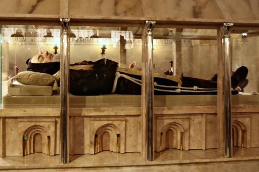 Italie: la dépouille de Padre Pio, icône du catholicisme populaire, exposée  à Rome - Le Point