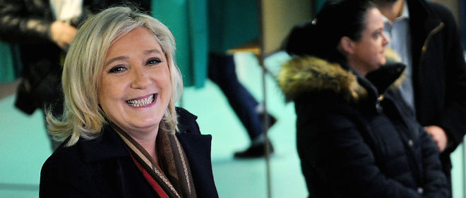 La présidente du FN, Marine Le Pen, prix du menteur en politique 2015.Enregistrer