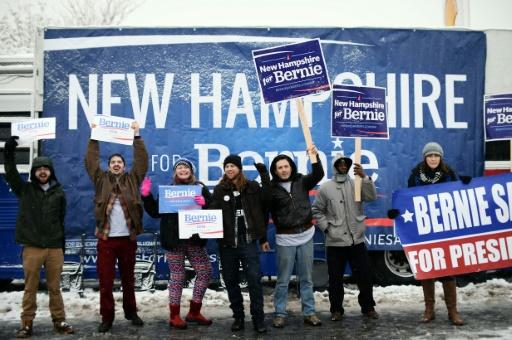 Des supporters du candidat démocrate à la présidentielle Bernie Sanders, le 5 février 2016 à Manchester, dans le New Hampshire © JEWEL SAMAD AFP