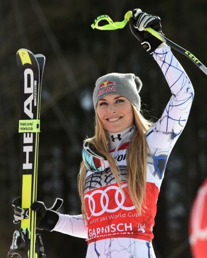 L'Américaine Lindsey Vonn célèbre sa victoire en descente à Garmisch-Partenkirchen (sud de l'Allemagne), le 6 février 2016 © Christof STACHE AFP