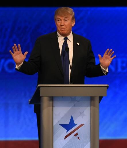 Donald Trump lors d'un débat entre les candidats républicains à la Maison Blanche le 6 février 2016 à Manchester, dans le New Hampshire, aux Etats-Unis © Jewel Samad AFP