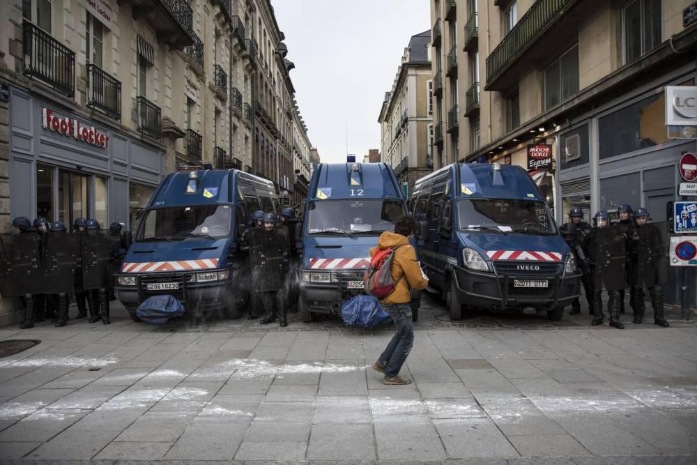 France: Opponents to Notre-Dame-des-Landes airport take part in a carnival in Rennes © CITIZENSIDE/EMMANUEL BROSSIER