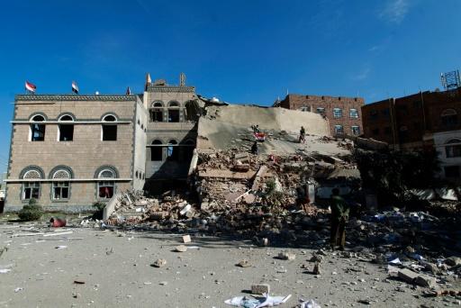Destruction de bâtiments à Sanaa, le 5 janvier 2016 après les frappes de la coalition arabe conduites par l'Arabie saoudite © MOHAMMED HUWAIS AFP/Archives