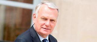 Jean-Marc Ayrault, un ministre des Affaires étrangères très vite jeté dans le grand bain diplomatique... ©PDN/SIPA