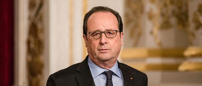 François Hollande a procédé jeudi à un remaniement à 15 mois de la présidentielle de 2017 avec le retour des écologistes,  Emmanuelle Cosse, ex-patronne d'Europe Écologie-Les Verts (EELV),  Jean-Vincent Placé et Barbara Pompili.