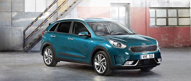 Inspiré de sa cousine Hyundai Ioniq, le Kia Niro utilise une toute petite batterie lithium polymère pour son hybridation.