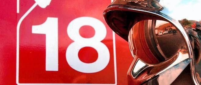 Un couteau de cuisine a été trouvé à côté de l'homme, un fonctionnaire civil de la défense de 49 ans. Sa femme, âgée de 46 ans, était aide-soignante.