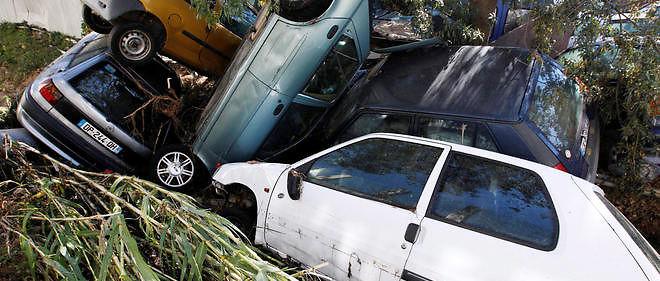 De violentes inondations sur la Côte d'Azur en octobre 2015. Si personne ne conteste que la planète s'est réchauffée au XXesiècle, ceci ne justifie pas de prophétiser des catastrophes, affirme le Pr Raoult.