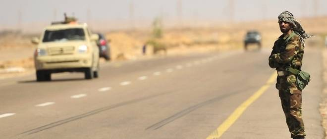 L'Algérie est en état d'alerte maximum sur les frontières libyennes notamment.