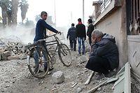 Photo d'illustration. La ville de Raqa, en Syrie, en proie à des bombardement aériens, en novembre 2014. ©RMC