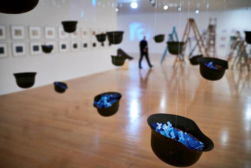 """L'exposition """"Yoko Ono, lumière de l'aube"""" © JEAN-PHILIPPE KSIAZEK AFP"""