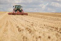 Le recours des agriculteurs aux produits phytosanitaires a augmenté de 9,4 % en 2014, selon le ministère de l'Agriculture. ©Pauline Tissot