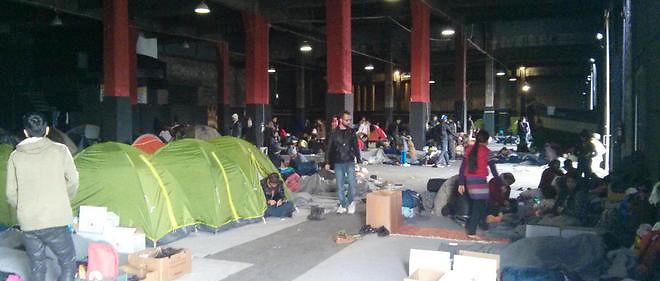 Pour loger les réfugiés, legouvernement prévoit de réquisitionner les abris de la protection civile, en fait desabris antiatomiques.