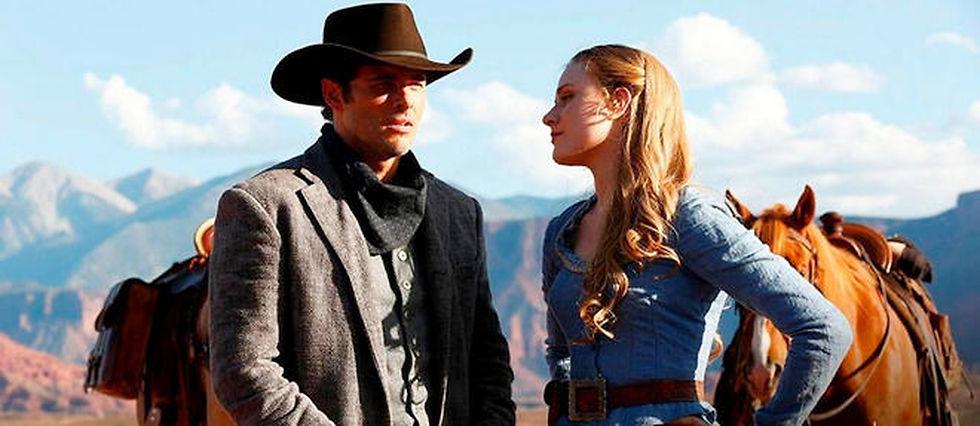 """James Marsden joue les cow-boys dans """"Westworld""""."""