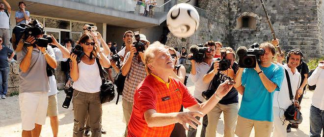 Dany Cohn-Bendit mardi matin sur Europe 1 :«C'est vrai que c'est glauque, cette affaire. Mais si Benzema marque le but de la victoire en finale de l'Euro, tout le monde dira :On n'en a rien à cirer de cette exemplarité.»