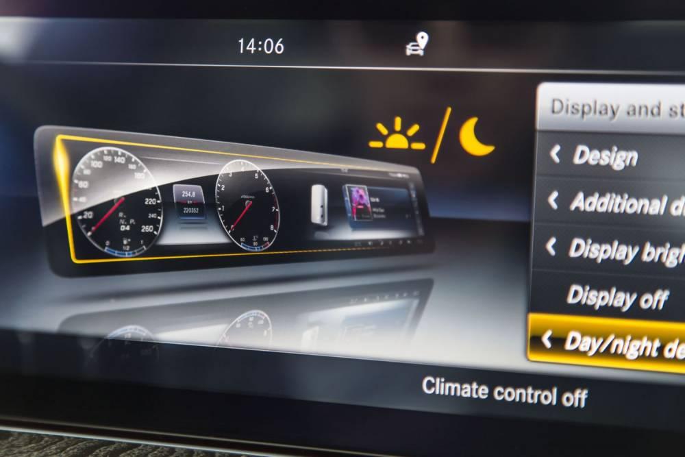 The new E-Class, Press Test Drive, Lisbon 2016 © Daimler AG Global Communications Mercedes-Benz Cars DAIMLER