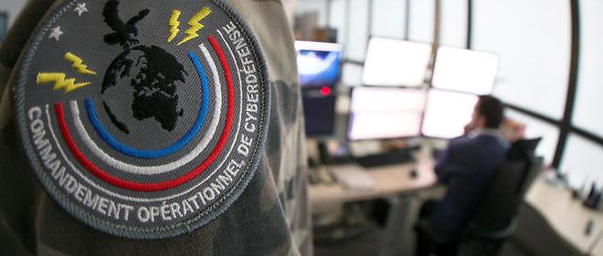 Le centre de commandement duCentre d'analyse de lutte informatique défense (Calid)à Paris. Les moyens de lutte contre le cyberdjihadisme et les sanctions ont été renforcés.