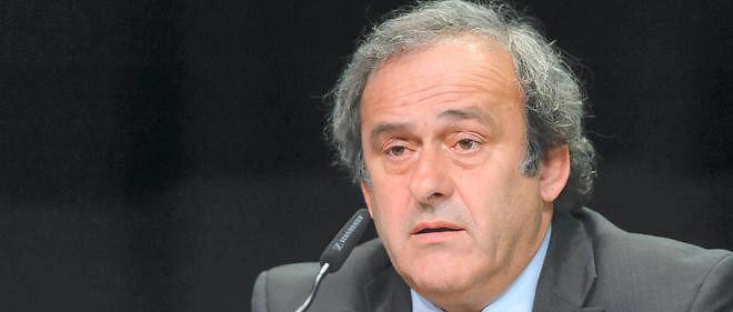 Après le contrat de travail oral, le compte offshore au Panama... Sale temps pour Michel Platini !