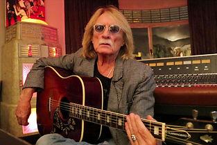 Le chanteur Christophe, chez lui, en 2014. ©Anne-Sophie Jahn