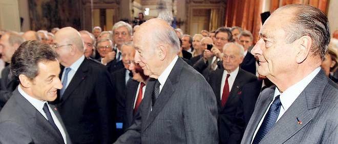 La République prend en charge la protection desanciens présidents français Nicolas Sarkozy, Valéry Giscard d'Estaing et Jacques Chirac.