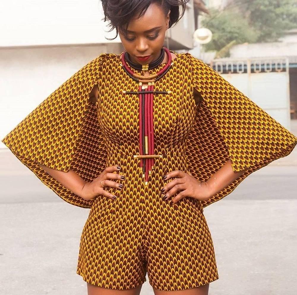 Ce modèle de veste-cape a fait un carton sur les réseaux sociaux.  ©  Nanawax