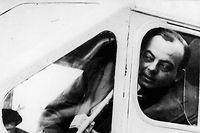 Antoine de Saint-Exupéry à bord de son avion en 1926. ©SIPA