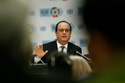 Le président François Hollande lors de son discours à l'ONU le 22 avril 2016 pour la signature des accords sur le climat © KENA BETANCUR AFP