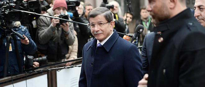 Ahmet Davutoglu demande une exemption de visa pour ses citoyens.