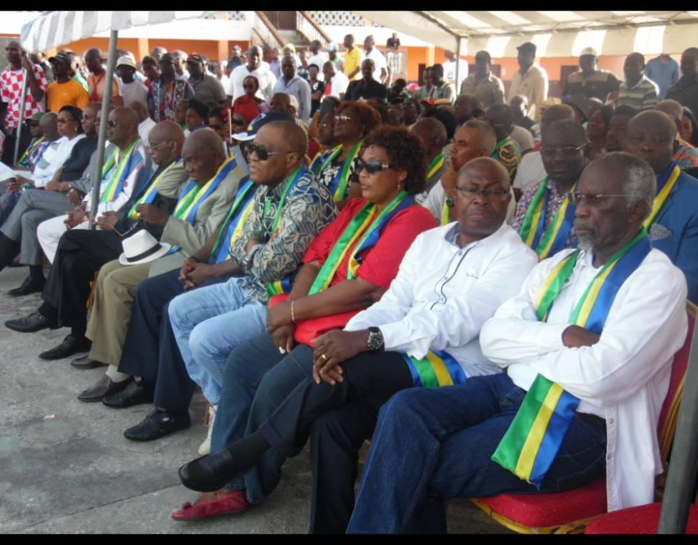 Assis côte àcôte les leaders de l'opposition réunis au sein de l'USP et présents lors du meeting du 23 avril 2016. ©  Pierre-Eric Mbog Batassi