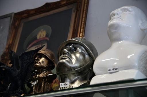 Bustes de Mussolini dans un magasin de souvenirs à Predappio (Italie), la ville natale du Duce. © TIZIANA FABI AFP