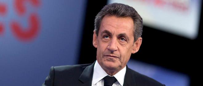 Nicolas Sarkozy s'attaque à Emmanuel Macron et défend le nucléaire et le gaz de schiste.