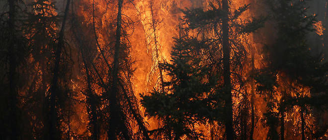 Les feux violents ravagent la ville de Fort McMurray, dans l'ouest du Canada, depuis une semaine.