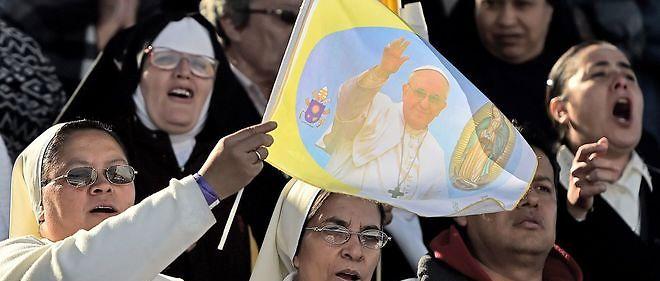 Les diacres ont la possibilité de célébrer certains sacrements à la place des prêtres.