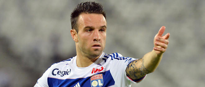 L'international français de Lyon Mathieu Valbuena.