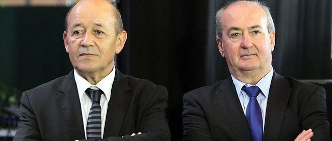 En 2012, Jean-Yves Le Drian (à gauche) vient d'être nommé ministre de la Défense et ne peut plus assurer sa fonction de président de la région Bretagne. Il demande alors à un homme de confiance, Pierrick Massiot (à droite), de le remplacer.