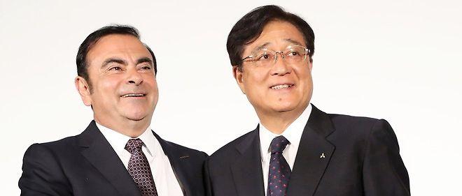 Carlos Ghosn et Osamu Masuko, présidents de Renault-Nissan et Mitsubishi, le jour de l'accord.