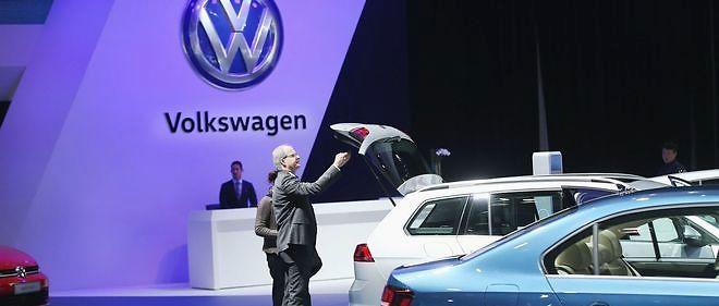 Volkswagen souffre plus que les autres marques du groupe, qui explosent leurs ventes (Audi, Porsche), mais, malgré l'affaire, progresse grâce à des prix agressifs.