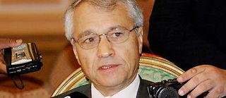 Chakib Khelil a pu rentrer à Alger après l'annulation d'un mandat d'arrêt contre lui pour vice de forme. L'ancien ministre de l'Énergie (ici en 2003) était soupçonné de corruption. ©ROBERT SULLIVAN