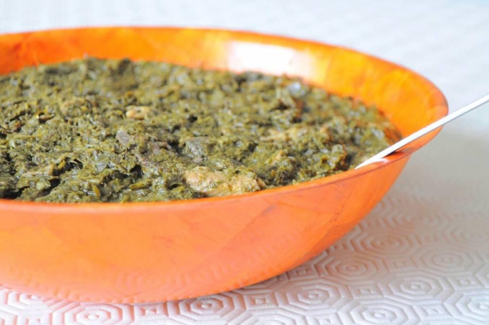 Au menu du week-end passé au Café Dapper Loïc Dablé : le Saka-saka, un plat d'Afrique Centrale composé majoritairement de feuilles de manioc, d'épinards, de pâte d'arachide, au poisson ou à la viande. ©  DR