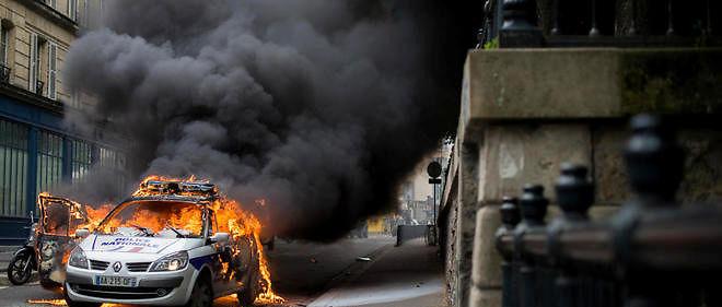 voiture de police brûlée : 3 des 4 mis en examen remis en liberté