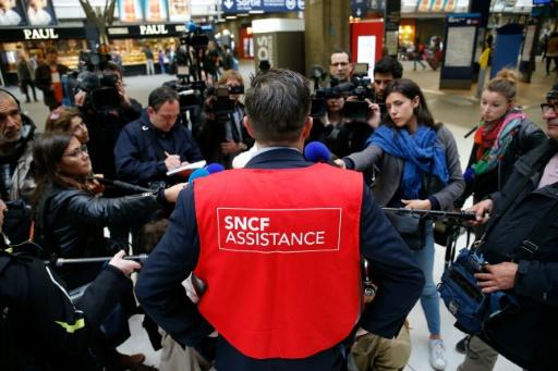 Sean Clairin, porte-parole de la SNF, le 29 mai 2016 gare Montparnasse à Paris © MATTHIEU ALEXANDRE AFP