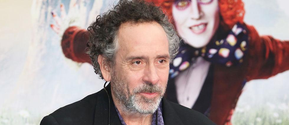 """Tim Burton lors de l'avant-première londonienne d'""""Alice de l'autre côté du miroir""""."""