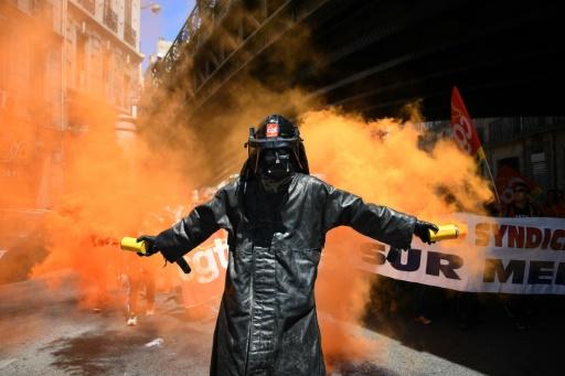 Un manifestant contre la loi travail, le 2 juin 2016 à Marseille © ANNE-CHRISTINE POUJOULAT AFP