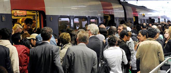 Grèves, inondations : pour les Franciliens, la galère des transports se vit au quotidien.