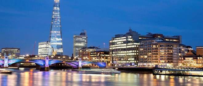 Pour les banquiers anglais, la Tamise et la City de Londres ne sont pas de toute quiétude...