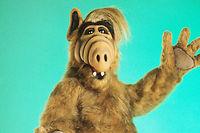 L'acteur Mihaly Meszaros, qui faisait vivre Alf, est mort cette nuit à 76 ans.