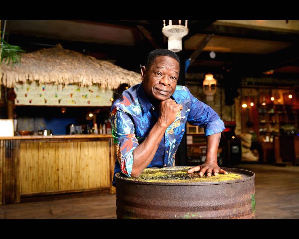 Sam Mangwana a préféré retourner en Angola, le pays de ses parents. ©  Franck Blanquin