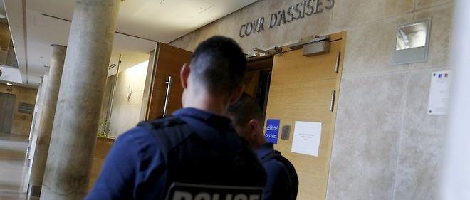 Accusé d'avoir abusé de 66 garçons mineurs, un quinquagénaire est jugéaux assises des Yvelines, à Versailles.