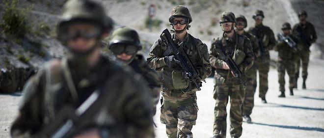 10 000 hommes sont engagés en permanence dans la force Sentinelle.